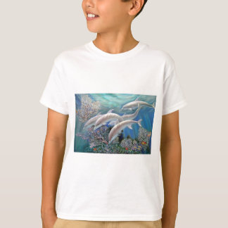 Happy_Family_-_Dolphins_Are_Awesome.JPG Tシャツ