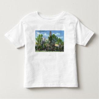 Harknessの記念タワー、ドゥワイトのチャペルの眺め トドラーTシャツ