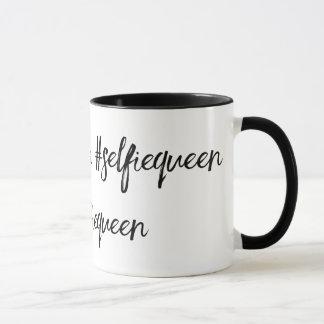 hashtagのコーヒー・マグを#selfiequeen マグカップ