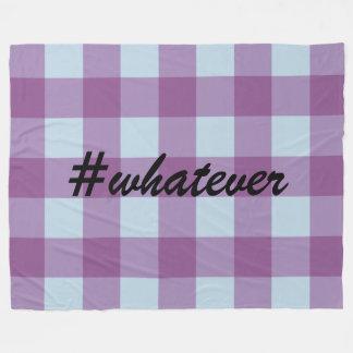 Hashtagの青および紫色のバッファローの格子縞 フリースブランケット