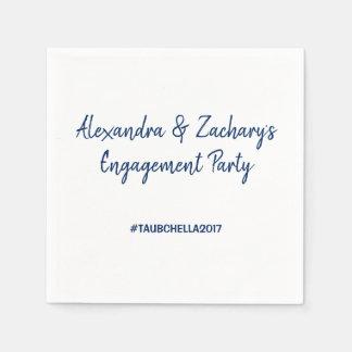 Hashtag海軍が付いている婚約パーティのナプキン スタンダードカクテルナプキン