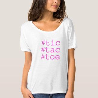 Hashtag Tic TACのつま先 Tシャツ