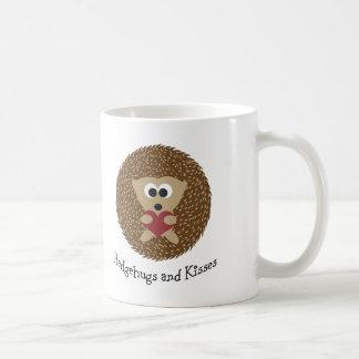 Hedgehugsおよびキスのハリネズミ コーヒーマグカップ