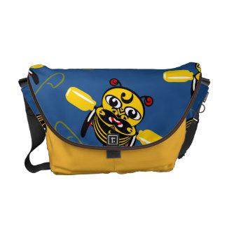 Hei Tikiの蜂のおもちゃのマオリのデザインニュージーランド メッセンジャーバッグ