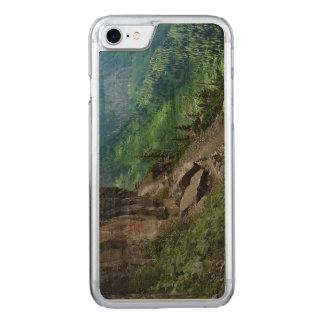 Highlineの道のグレーシャー国立公園モンタナ Carved iPhone 8/7 ケース