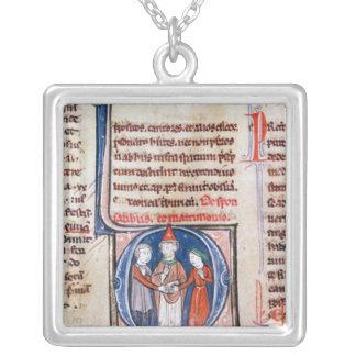 Historiatedは結婚を描写する「D」に署名します シルバープレートネックレス