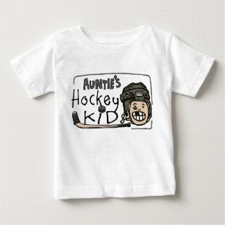 Hockey Kid伯母さんの ベビーTシャツ