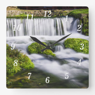 Hodgsonの春の滝 スクエア壁時計