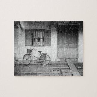 Hoiベトナムの自転車が付いている家 ジグソーパズル