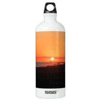 HoldenのビーチNCのビーチの日没 ウォーターボトル