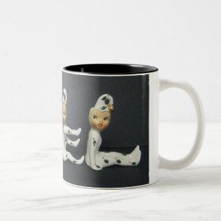 HoltハワードNOELの小妖精や小人のクリスマスのコーヒー茶マグ ツートーンマグカップ