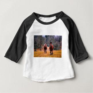 horses-1984977_960_720 ベビーTシャツ