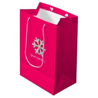 Hot Pink Snowflake Pink Christmas ミディアムペーパーバッグ