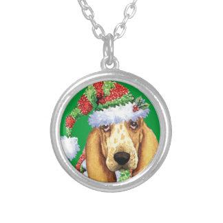 Howlidayの幸せなバセット犬 シルバープレートネックレス