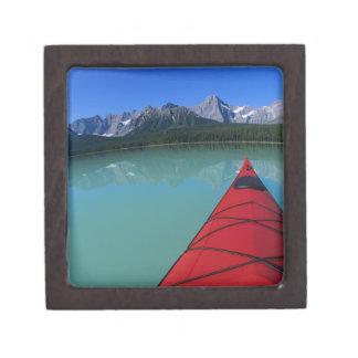 Howseのピークの下のwaterfowl湖でカヤックを漕ぐこと ギフトボックス