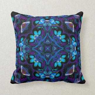 Hughie Kattorzの曼荼羅の枕 クッション