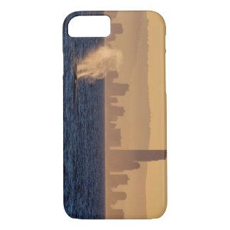 Humpackのクジラのサーファーの楽園クイーンズランド iPhone 8/7ケース