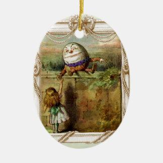Humpty Dumptyおよびアリス セラミックオーナメント