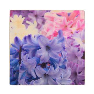 Hyacinthの植物のクローズアップ ウッドコースター