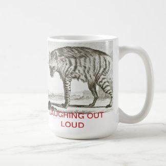 """Hyenna -大きいマグ--を大声で""""""""笑わせます コーヒーマグカップ"""