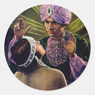 Hypnotistは若い女性の…ヴィンテージに催眠術をかけます! ラウンドシール
