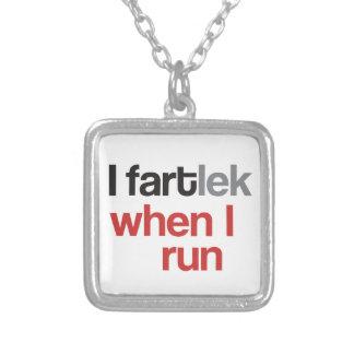 Iが© -おもしろいなFARTlek走る場合のI FARTlek シルバープレートネックレス