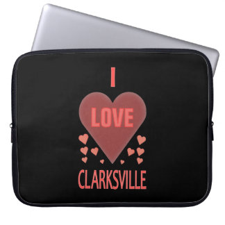 I愛ClarksvilleフェミニンなTennのピンクのハート ラップトップスリーブ