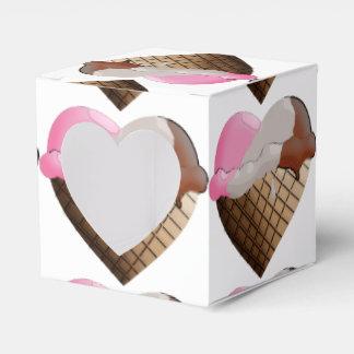 I (ハートの)アイスクリーム! Neapolitan円錐形 フェイバーボックス