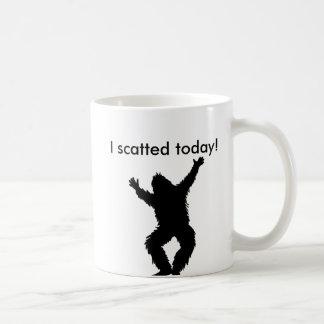 I Scatted (pooped)今日-ビッグフットのサスカッチ コーヒーマグカップ