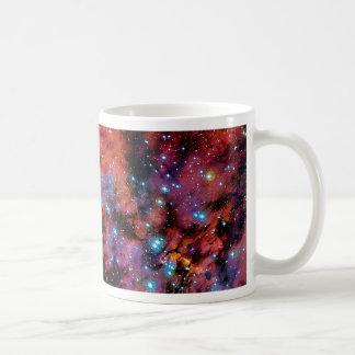 IC 4628の車海老の星雲-カラフルな宇宙の写真 コーヒーマグカップ