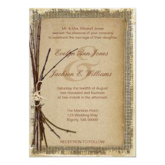 ID132を結婚するバーラップ、小枝および麻ひも カード