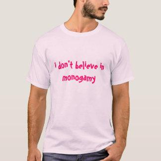 IDBIM BIDWHAのTシャツ(淡いピンクのピンク) Tシャツ