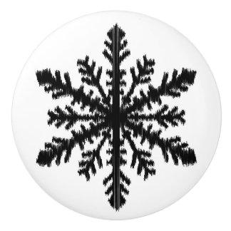 Ikatの雪片-白および黒 セラミックノブ