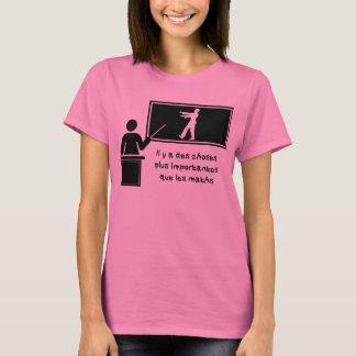 Il y importantesのqueのlesの数学とdesのchoses tシャツ