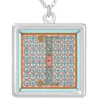 Illuminataの*I*のモノグラムのな銀めっきのネックレス シルバープレートネックレス