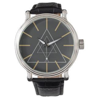 Illuminatiのシンプル 腕時計