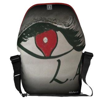 """""""iLoveLA"""" (赤いトリムのBlk) メッセンジャーバッグ"""