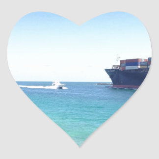 image.jpgの南ビーチのマイアミフロリダの海および船 ハートシール