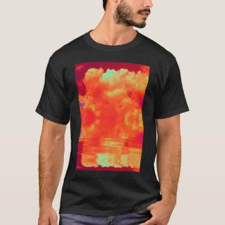 INDIGLOの反映のオレンジ積雲のcongestusおよびBr Tシャツ