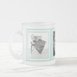 Instagramのあなた自身の写真Bevvyを作って下さい フロストグラスマグカップ