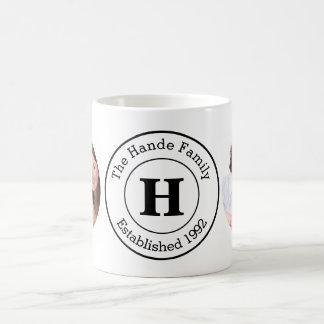 Instagramの2つの写真および名前入りなモノグラム コーヒーマグカップ