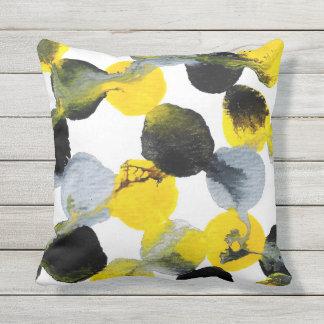 Intertactions黄色、灰色および黒いパターン クッション