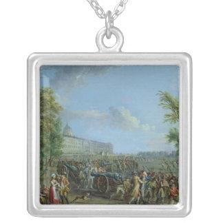 Invalidesの略奪、1789年7月14日 シルバープレートネックレス