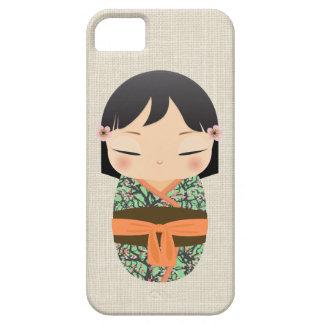 iPhone 5の場合- Kokeshiの人形の茶色およびオレンジ iPhone SE/5/5s ケース
