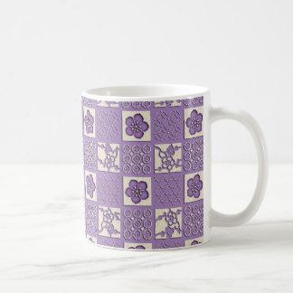 Ishidatami日本語によって点検されるパターンプラム花 コーヒーマグカップ