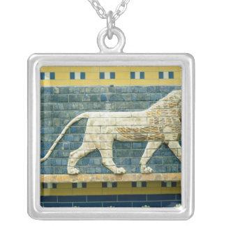 Ishtarを表しているライオン シルバープレートネックレス