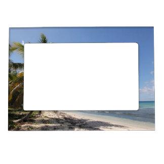 Isla Saonaのカリブのな楽園のビーチ マグネットフレーム