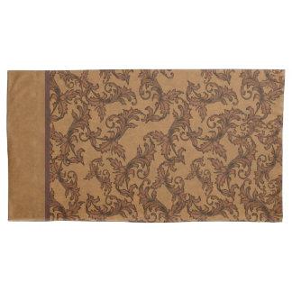 Italian Renaissance Leafy Swirls (Rust and Gold) 枕カバー