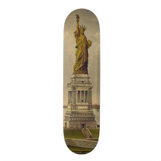 Ives 1885年著Bartholdiの素晴らしい彫像 スケートボード