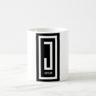 jの衣服のデザインのコーヒー・マグ コーヒーマグカップ